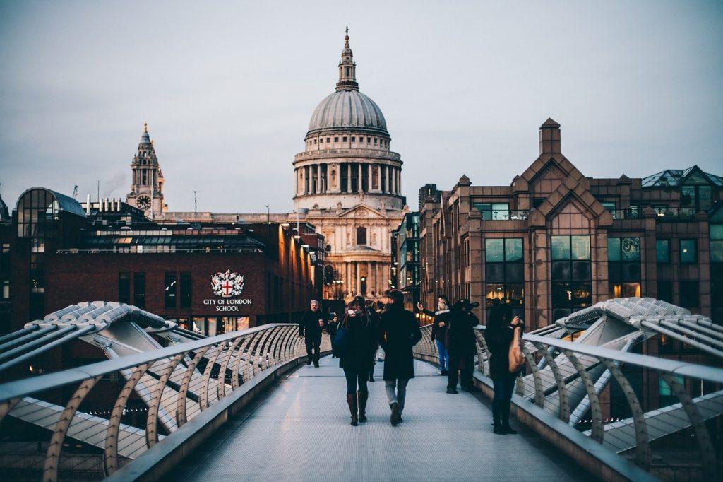 london, footbridge, city life
